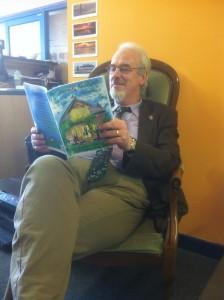 Bob reading Mr Croc01