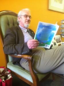 Bob reading Mr Croc02